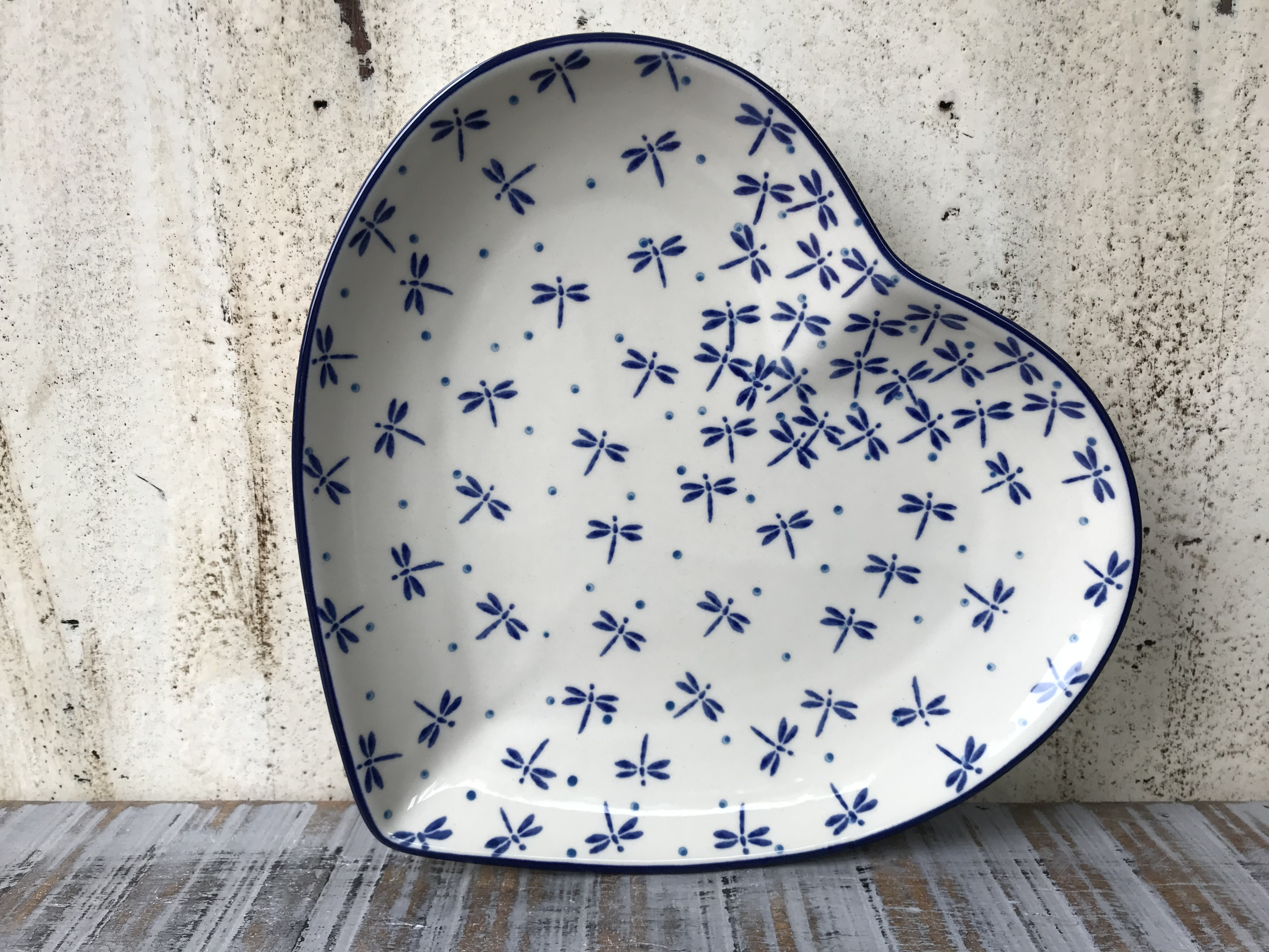 sorted-according-to-form-pottery-1-plates-heart-plate-23-x-22-cm