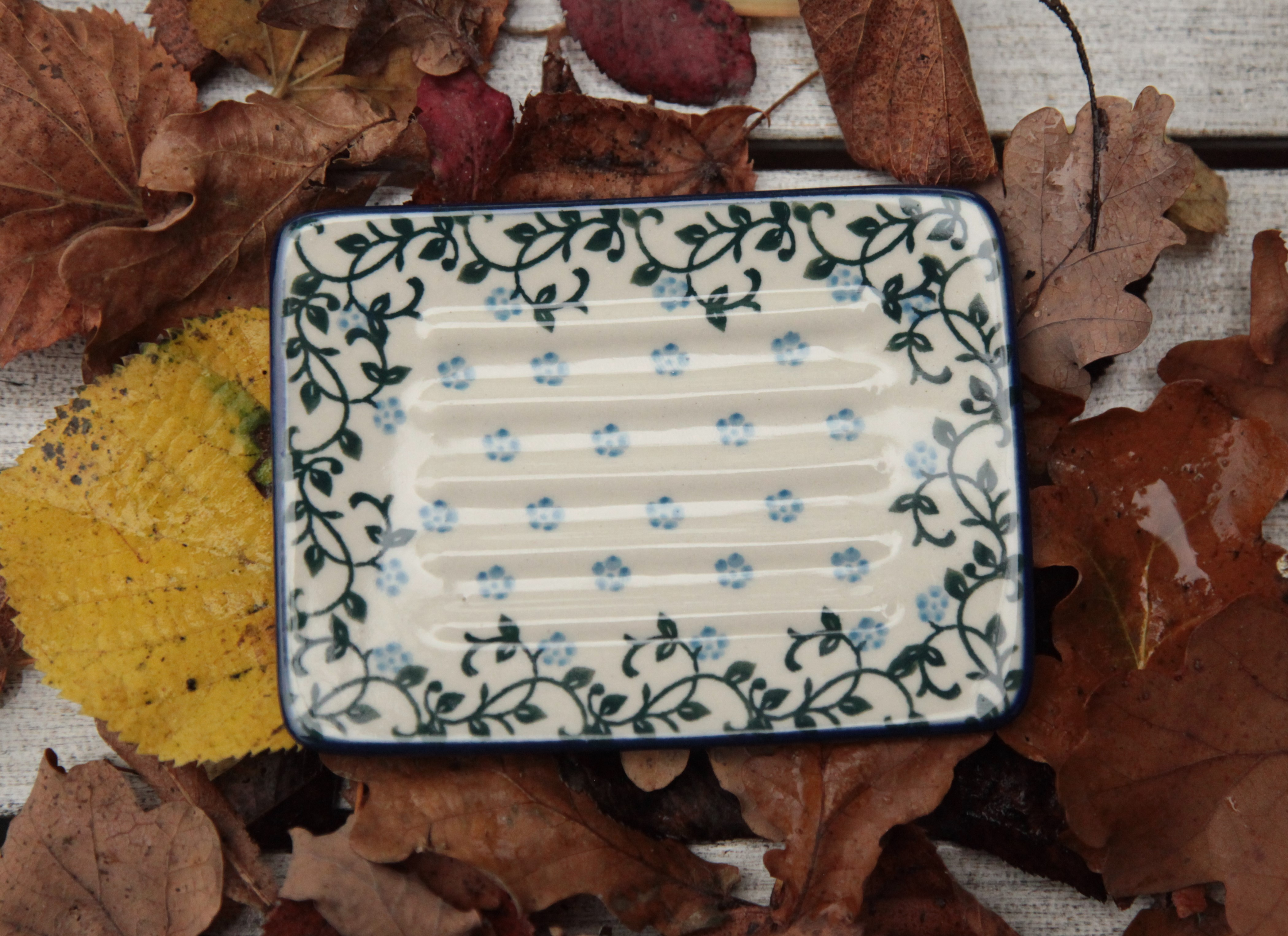 sorted-according-to-form-pottery-1-soap-dish-square